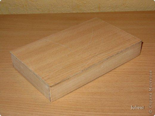 Предлагаю Вашему вниманию мою поделку - кроватку с постелькой в домик, который я построила для мягкого Мишутки ростом ок. 14 см.  Такая кроватка проста в изготовлении, не требует особых материалов, а самое главное - крепкая, т.к. предназначена для игры ребенком :) фото 7