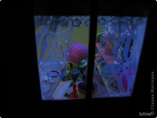 """Приветсвую Вас, уважаемые гости! Знакомьтесь: это Даринка - девочка-мишутка ростом 14 см.  Она живет в большом уютном домике на улице Медовая, 5 (ну, на какой же еще улице должна жить сладкоежка? :)). Приглашаю Вас заглянуть к ней в гости http://stranamasterov.ru/node/713606  У Мишутки много друзей, поэтому ей никогда не бывает скучно. А еще у нее много-много разных игрушек...  1 серия """"Любишь играть - люби и убирать!""""  фото 4"""
