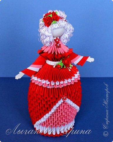 Что-то давно я не занималась модульным оригами. Больше всего я люблю делать кукол и цветы . Вот и захотелось мне сделать новую бумажную красавицу. фото 2