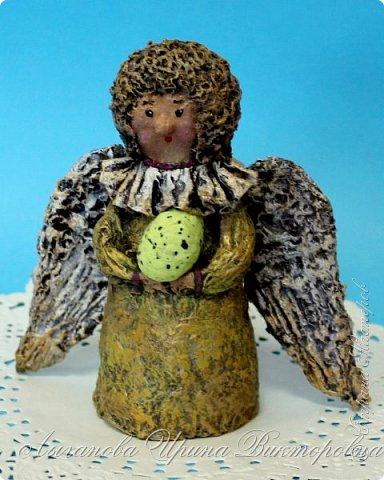 Сегодня один из самых светлых и радостных праздников - Пасха! Я очень люблю делать ангелов в разных техниках. Это такая благодатная тема для творчества. Всем сегодня пасхальные ангелы поют с небес свои праздничные песни! фото 14