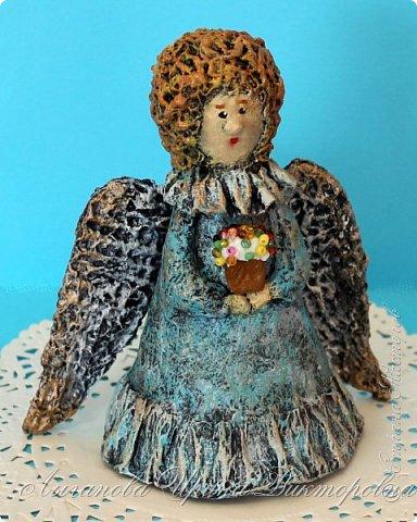 Сегодня один из самых светлых и радостных праздников - Пасха! Я очень люблю делать ангелов в разных техниках. Это такая благодатная тема для творчества. Всем сегодня пасхальные ангелы поют с небес свои праздничные песни! фото 9