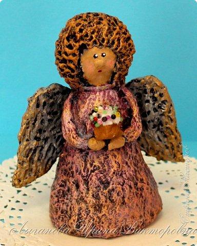 Сегодня один из самых светлых и радостных праздников - Пасха! Я очень люблю делать ангелов в разных техниках. Это такая благодатная тема для творчества. Всем сегодня пасхальные ангелы поют с небес свои праздничные песни! фото 7