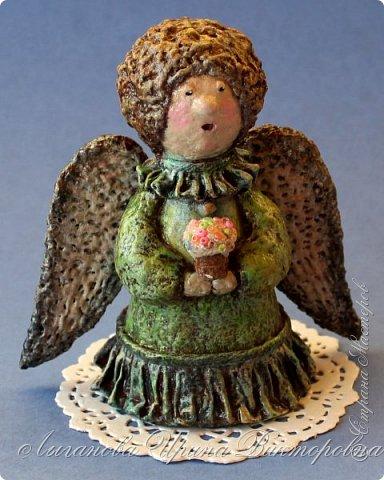 Сегодня один из самых светлых и радостных праздников - Пасха! Я очень люблю делать ангелов в разных техниках. Это такая благодатная тема для творчества. Всем сегодня пасхальные ангелы поют с небес свои праздничные песни! фото 5
