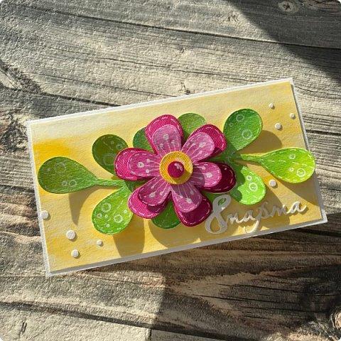 Мимоза — прекрасный цветок, Тепла и надежды творенье, Весны пробужденья росток.... (Самарина Елена) Мимоза..., это моя первая рукодельная работа, которую я делала в детском саду и я ее помню... Мне так понравилось катать шарики из ваты, макать их в желтую краску и сушить на батарее:) А потом это превратилось в аппликацию к 8 марта для мамы....  Да и вообще в детстве . я не помню тюльпанов на этот праздник, а тем более роз, помню мимозу...  На открытках моего детства тоже были момозы...  А вчера, прямо хлынул поток вдохновения... Опять попались открытки Анна Макаренко, да и Ольга Кайнова поделилась своими наработками по созданию мимозы... Я решила это дело не откладывать и начала творить:) фото 9