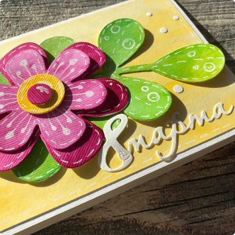 Мимоза — прекрасный цветок, Тепла и надежды творенье, Весны пробужденья росток.... (Самарина Елена) Мимоза..., это моя первая рукодельная работа, которую я делала в детском саду и я ее помню... Мне так понравилось катать шарики из ваты, макать их в желтую краску и сушить на батарее:) А потом это превратилось в аппликацию к 8 марта для мамы....  Да и вообще в детстве . я не помню тюльпанов на этот праздник, а тем более роз, помню мимозу...  На открытках моего детства тоже были момозы...  А вчера, прямо хлынул поток вдохновения... Опять попались открытки Анна Макаренко, да и Ольга Кайнова поделилась своими наработками по созданию мимозы... Я решила это дело не откладывать и начала творить:) фото 10