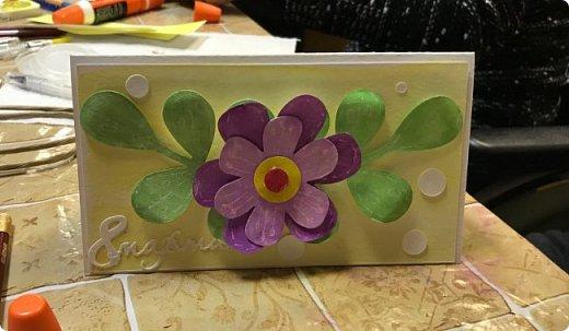 Мимоза — прекрасный цветок, Тепла и надежды творенье, Весны пробужденья росток.... (Самарина Елена) Мимоза..., это моя первая рукодельная работа, которую я делала в детском саду и я ее помню... Мне так понравилось катать шарики из ваты, макать их в желтую краску и сушить на батарее:) А потом это превратилось в аппликацию к 8 марта для мамы....  Да и вообще в детстве . я не помню тюльпанов на этот праздник, а тем более роз, помню мимозу...  На открытках моего детства тоже были момозы...  А вчера, прямо хлынул поток вдохновения... Опять попались открытки Анна Макаренко, да и Ольга Кайнова поделилась своими наработками по созданию мимозы... Я решила это дело не откладывать и начала творить:) фото 18