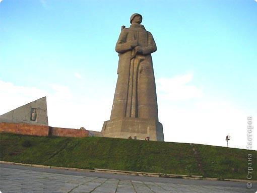 -Ты в Мурманске,если в июне увидев на часах 12-00, ты щуришся на солнце и сомневаешься во времени суток. Типичная заполярная сопка, полночь(в полярный день). фото 20