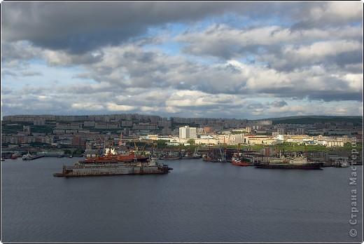 -Ты в Мурманске,если в июне увидев на часах 12-00, ты щуришся на солнце и сомневаешься во времени суток. Типичная заполярная сопка, полночь(в полярный день). фото 27