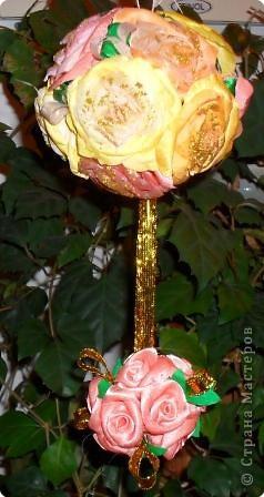 Шары из роз в подарок.