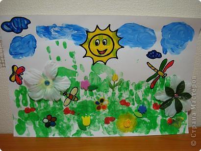 Вот такую картину мы с дочками сделали! Травка-это их ладони, ягоды и облака-пальчики.Тучи,Солнце,стрекоза,бабочка,пчела и 2 цветочка сделаны витражными красками.