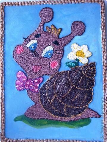 """От улыбки станет всем теплей - И слону и даже маленькой улитке... Так пускай повсюду на земле, Будто лампочки, включаются улыбки! (из песни """"Улыбка"""", слова М. Пляцковского, музыка В. Шаинского)"""