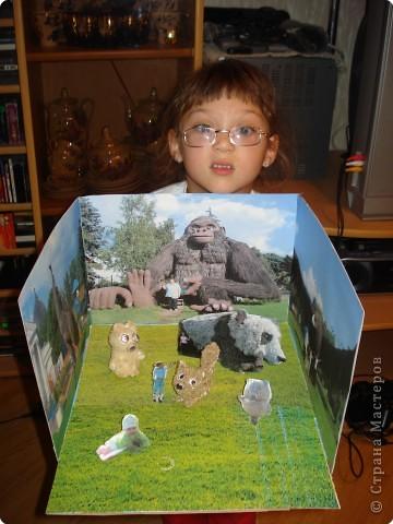 медвежонок и лисичка объёмные, панда, Винни - Пух и фигурки Алёны и Наташи вырезаны из картона и стоят на подставочках, остальное - фотографии с выставки фото 10