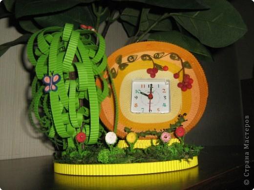 """На зеленой солнечной опушке  Прыгают зеленые лягушки  И танцуют бабочки-подружки –  Лето это хорошо!         (""""Песенка о лете"""",  из мультфильма """"Дед Мороз и лето"""")  фото 1"""