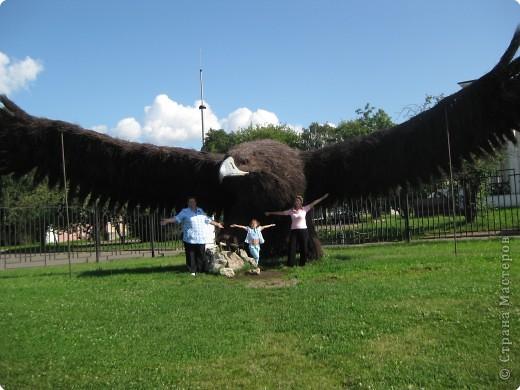 медвежонок и лисичка объёмные, панда, Винни - Пух и фигурки Алёны и Наташи вырезаны из картона и стоят на подставочках, остальное - фотографии с выставки фото 5