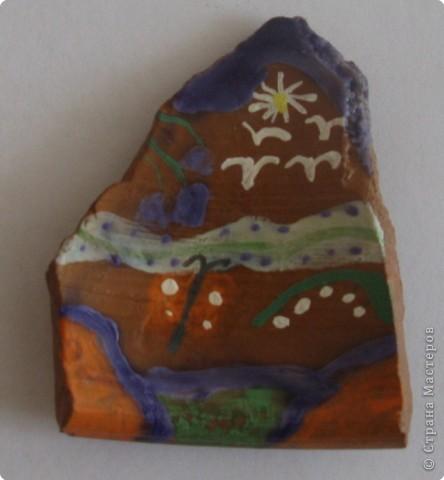 """Этот глиняный черепок я расписывал сам. Наш школьный лагерь """"Солнышко"""" водили на экскурсию в Абрамцевский Художественный Промышленный Комплекс. Это училище знаменито на весь мир.  фото 1"""