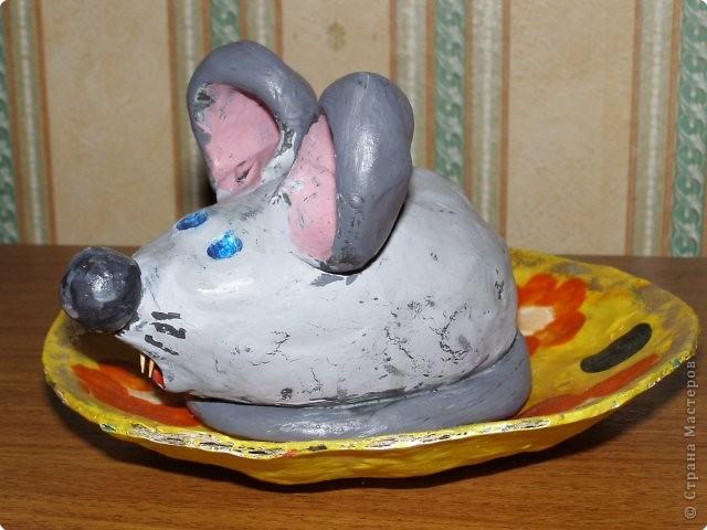 Мышка в блюдце