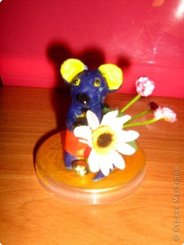 Мышка с букетом