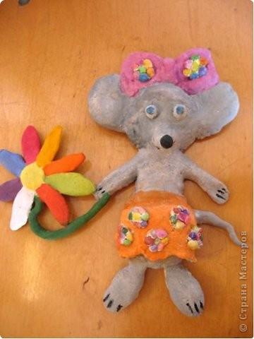Мышь с цветами