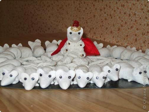 Мышиный король на троне фото 2