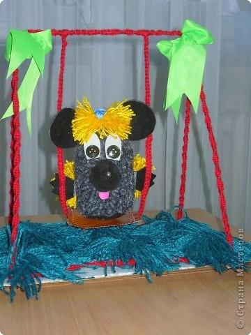 Мышонок Пик на качелях