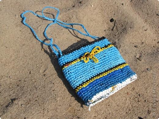 комплект для пляжа связан крючком из полиэтиленовых пакетов фото 5