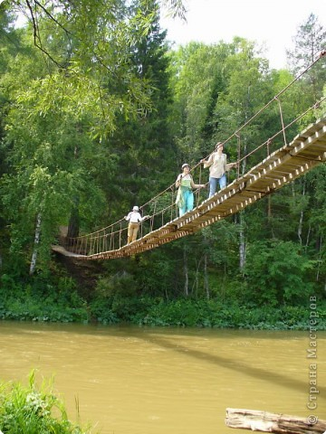 В этом году мы летом впервые побывали в парке Оленьи ручьи. Впечатлений- море! Мы и на лодке катались , и по подвесному мосту ходили, и с тарзанки через реку прыгали. Хорошо отдохнули! фото 7