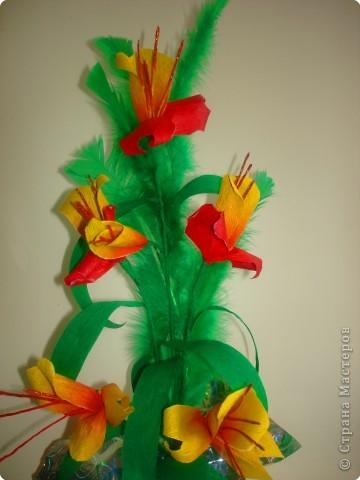 Цветы из гофрированной бумаги. фото 2