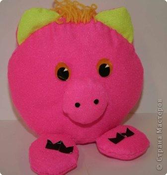 Розовая хрюшка