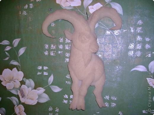На лугу,на лугу,на лугу пасется ко...(Мечтательная коровка)Материал:поролон,бумага,акварельные краски.Хочется поднять настроение и себе,и другим.Надеюсь получилось?  фото 6