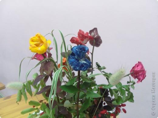Попробуйте догадаться, из чего сделаны эти розы фото 3