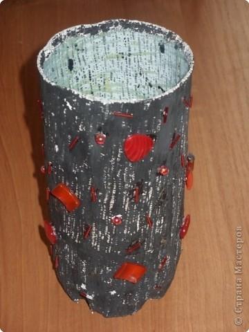 Эта ваза для бабушкиных цветов из палисадника