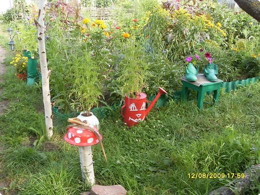 Хозяин сада – Кузьма. Он встречает гостей, следит за порядком. фото 7