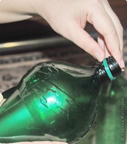 1.Беру пластмассовые зеленые бутылки. фото 2