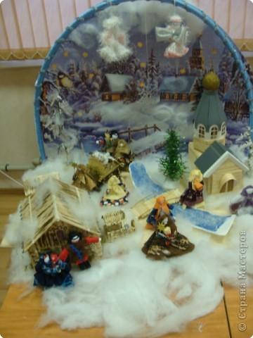 """Общий вид. Это большая работа. Трудились над ней всем нашим дружным коллективом более месяца.  Композиция """"Рождество"""" сделана в подарок всем жителям  и гостям г.Строитель к Новому Году и Рождеству. Находится на выставке в Православном центре. фото 2"""