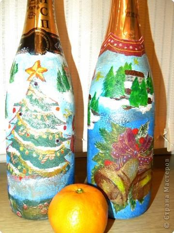 """У нашей семьи много родственников и друзей,каждому хочется что- нибудь подарить,чтобы дёшево и сердито.Мы с дочерью решили задекорировать бутылки с шампанским в технике """"декупаж"""".И я считаю,что это очень даже необычный подарок. фото 7"""