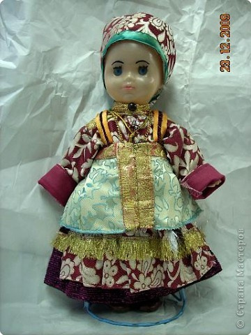 Это кукла в традиционном усть-цилемском наряде.  фото 1