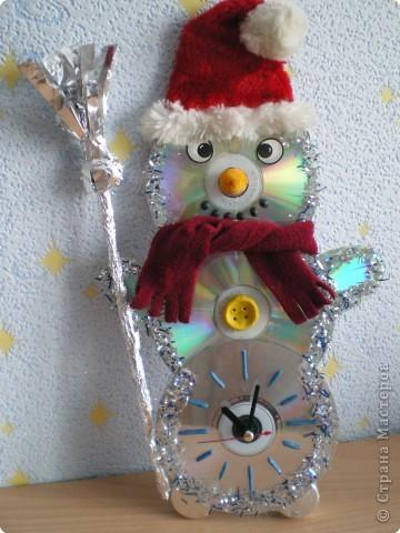 Снеговик - часы стоит на страже Нового 2010 года