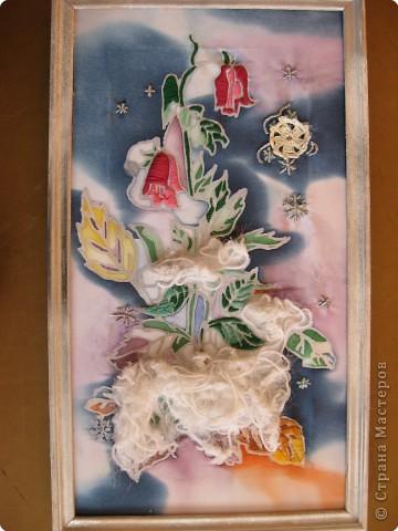 В этой картине переплелись две техники - батик и вышивка. Сначала Таня расписала ткань специальными красителями. фото 1