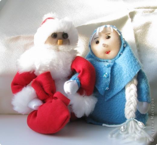 Снегурочка- селяночка и Дедушка Мороз фото 1