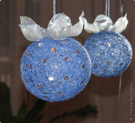 "Новогодний шар ""Ягода- снежевика"" фото 1"