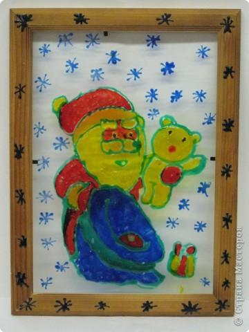 Наш веселый Дед Мороз счастья и здоровья нам принес.