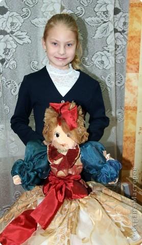 Давным-давно, когда я была еще совсем маленькой девочкой, я мечтала о красивой кукле. Мама на Новый год сшила мне в подарок чудесную куклу - Волшебницу.  фото 3