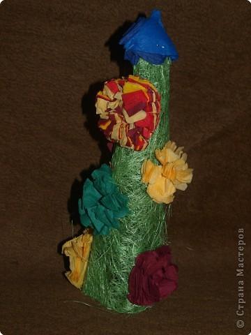 Тимофей сотворил такую кокетливую ёлочку для своих родителей. С одой стороны ёлочка для него самого фото 1