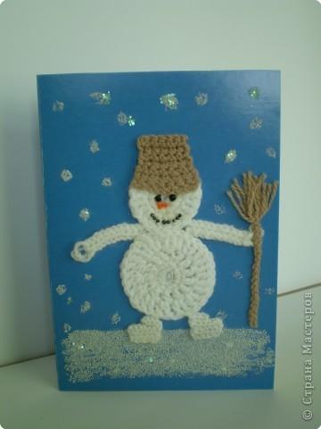 Вот такой получился снеговичок. Снег - это манка. Нос, рот и глазки - бусинки.