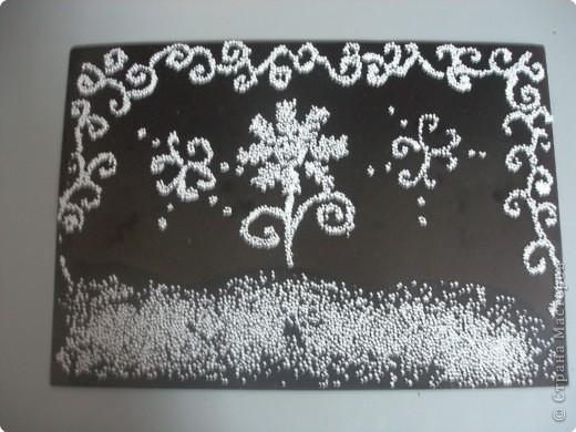 мороз рисует на стекле волшебным посохом картины  фото 1