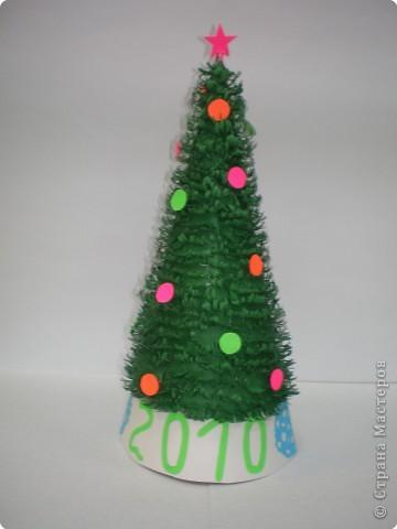 Такие ёлочки украсили нашу школу к Новому году фото 16