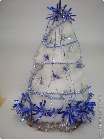 Такие ёлочки украсили нашу школу к Новому году фото 10
