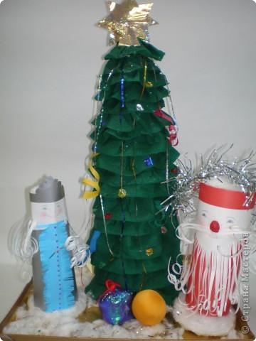 Такие ёлочки украсили нашу школу к Новому году фото 21