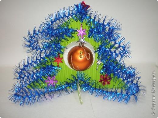 Такие ёлочки украсили нашу школу к Новому году фото 15