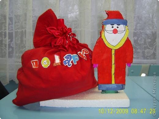 Работа выполнена  в подарок всему классу. Это часть новогодней экспозиции для украшения класса к Новому году. фото 2